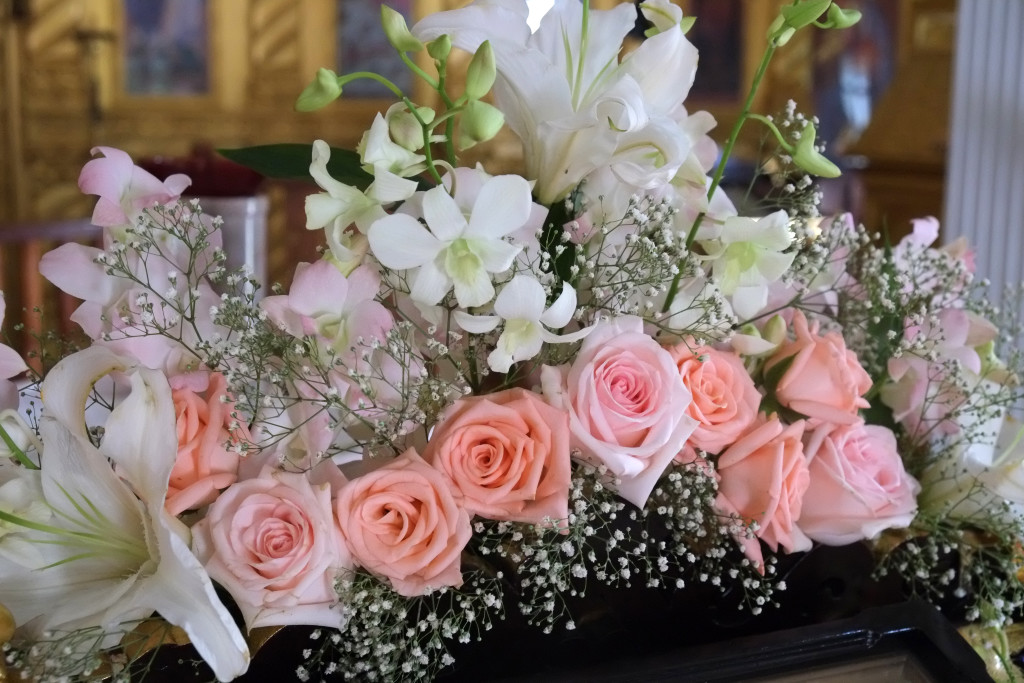 Цветы в день Рождества Пресвятой Богородицы